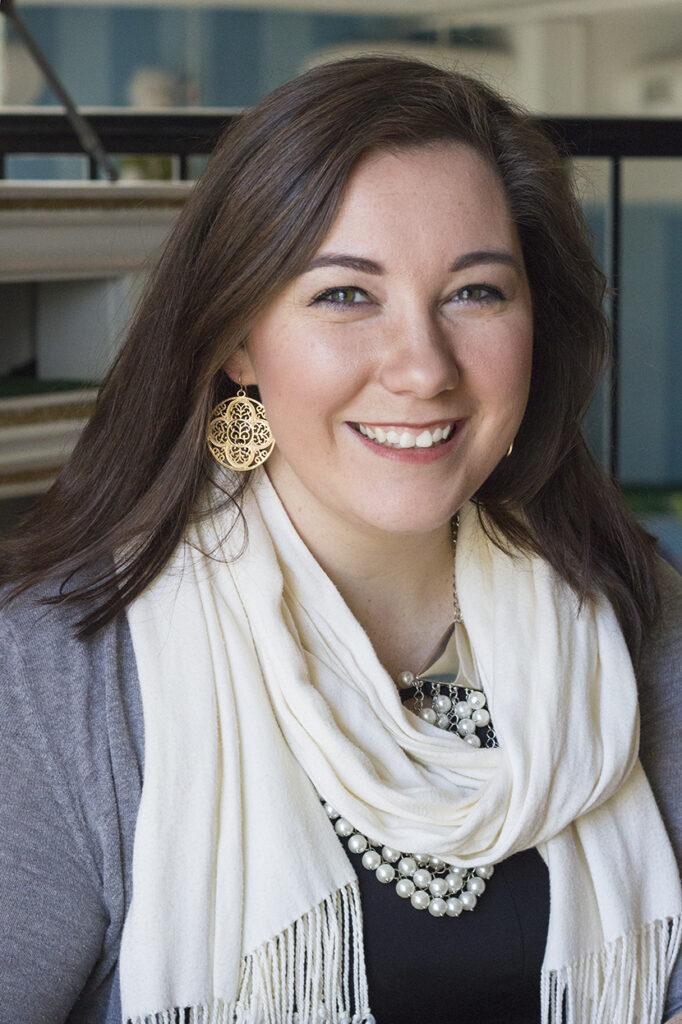 Jennifer Deaton headshot